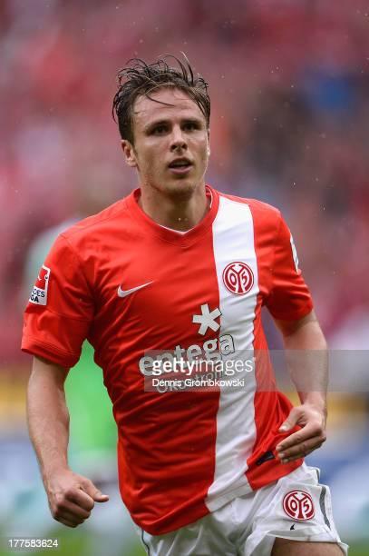 Nicolai Mueller of 1 FSV Mainz 05 celebrates after scoring his team's second goal during the Bundesliga match between 1 FSV Mainz 05 and VfL...