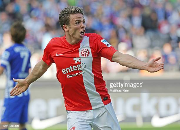 Nicolai Mueller of Mainz jubilates after scoring the first goal during the Bundesliga match between Hertha BSC and 1FSV Mainz 05 at Olympiastadion on...