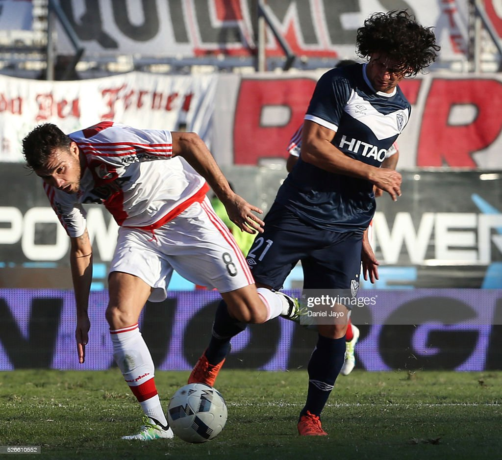 <a gi-track='captionPersonalityLinkClicked' href=/galleries/search?phrase=Nicolas+Bertolo&family=editorial&specificpeople=3937136 ng-click='$event.stopPropagation()'>Nicolas Bertolo</a>, of River Plate, (L) and Blas Caceres, of Velez Sarsfield, fight for the ball during a match between River Plate and Velez Sarsfield as part of Torneo Transicion 2016 at Antonio Vespucio Liberti Stadium on April 30, 2016 in Buenos Aires, Argentina.