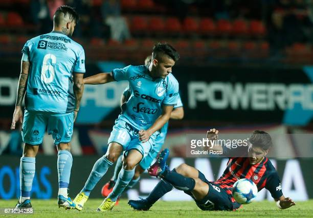 Nicolas Blandi of San Lorenzo fights for the ball with Alexis Zarate of Temperley during a match between San Lorenzo and Temperley as part of Torneo...