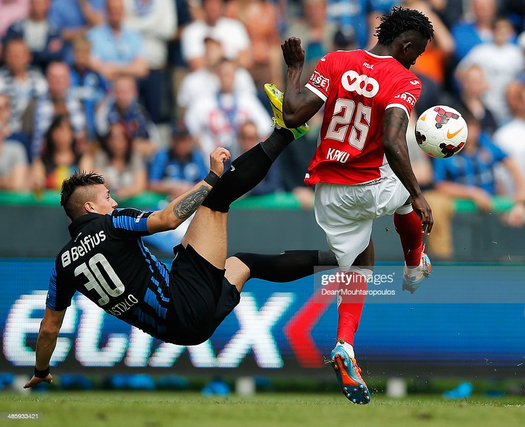 Nicolas Castillo of Club Brugge and Antonio Dos Santos Kanu of Standard battle for the ball during the Jupiler League match between Club Brugge and Royal Standard de Liege at the Jan Breydel Stadium on April 21, 2014 in Brugge, Belgium.