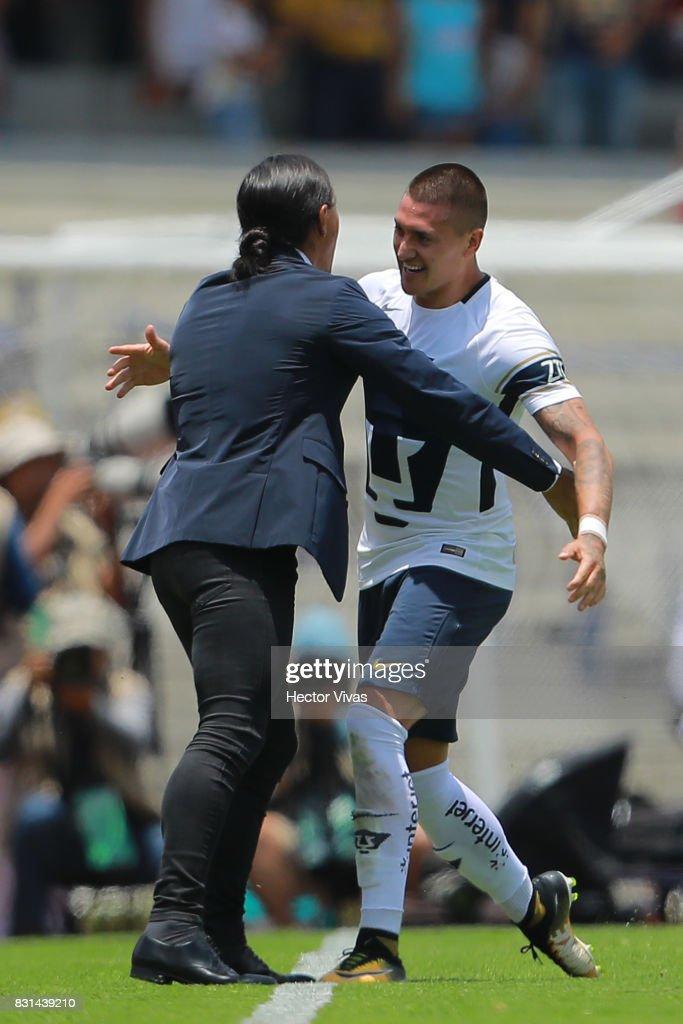 Pumas UNAM v Lobos BUAP - Torneo Apertura 2017 Liga MX : Fotografía de noticias