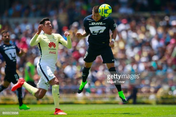 Nicolas Castillo of Pumas heads the ball to score during the 11st round match between Pumas UNAM and America as par of the Torneo Clausura 2017 Liga...