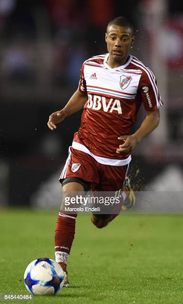 Nicolas De La Cruz of River Plate drives the ball during a match between River Plate and Banfield as part of Superliga 2017/18 at Monumental Stadium...