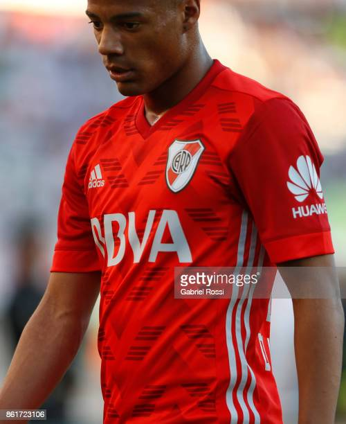 Nicolas De la Cruz of River Plate looks on during a match between River Plate and Atletico de Tucuman as part of Superliga 2017/18 at Monumental...