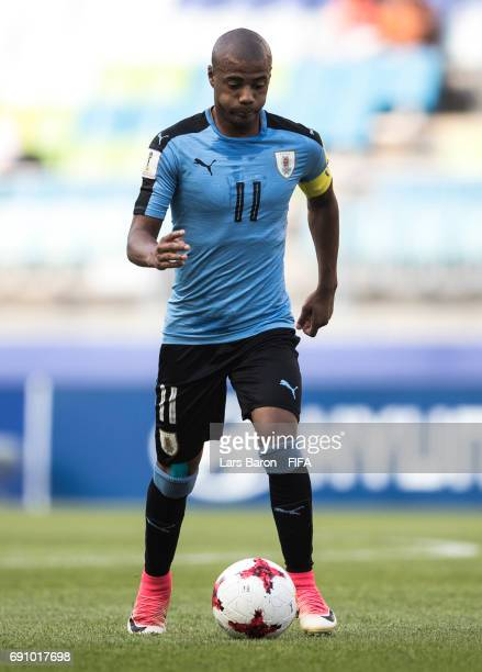Nicolas de la Cruz of Uruguay runs with the ball during the FIFA U20 World Cup Korea Republic 2017 Round of 16 match between Uruguay and Saudi Arabia...