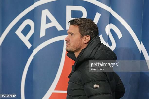 Nicolas Douchez of Paris SaintGermain reacts during the French Ligue 1 between Paris SaintGermain and Olympique Lyonnais at Parc Des Princes on...