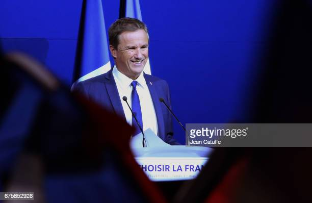 Nicolas DupontAignan President of 'Debout la France' party speaks during a campaign rally of French presidential candidate Marine Le Pen of 'Front...