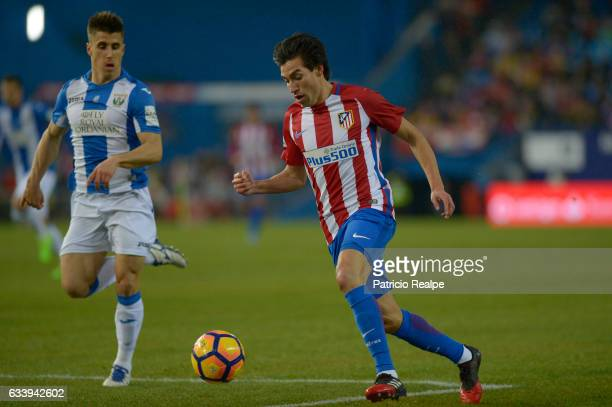 Nicolas Gaitan of Atletico de Madrid controls the ball during a match between Atletico Madrid and Leganes at Vicente Calderón Stadium on February 04...