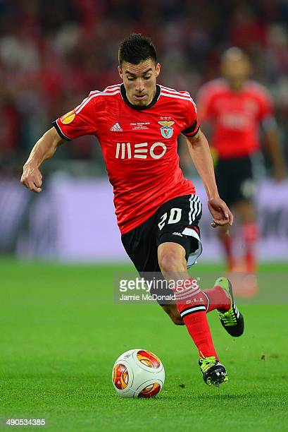 Nicolas Gaitan of Benfica on the ball during the UEFA Europa League Final match between Sevilla FC and SL Benfica at Juventus Stadium on May 14 2014...
