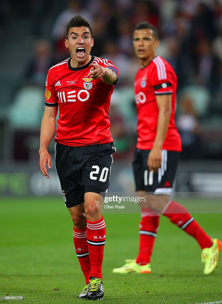 <a gi-track='captionPersonalityLinkClicked' href=/galleries/search?phrase=Nicolas+Gaitan&family=editorial&specificpeople=5538639 ng-click='$event.stopPropagation()'>Nicolas Gaitan</a> of Benfica reacts after being brought down in the area during the UEFA Europa League Final match between Sevilla FC and SL Benfica at Juventus Stadium on May 14, 2014 in Turin, Italy.