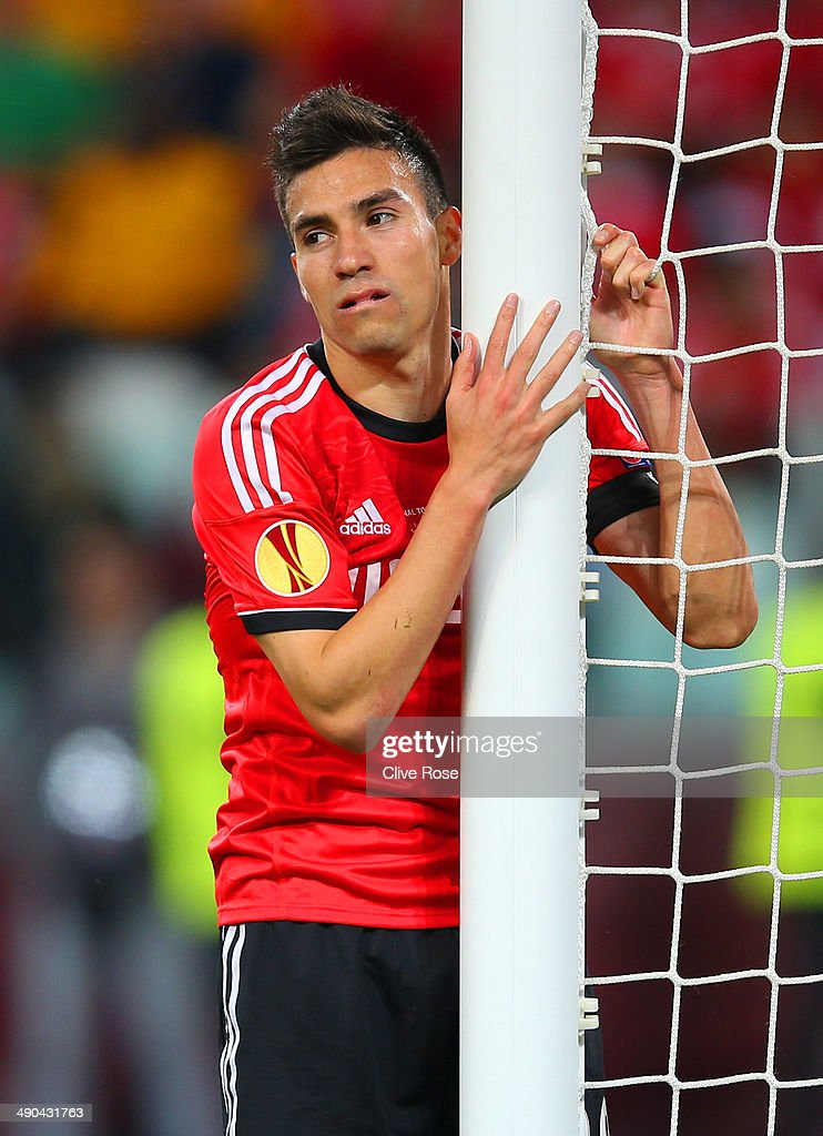 <a gi-track='captionPersonalityLinkClicked' href=/galleries/search?phrase=Nicolas+Gaitan&family=editorial&specificpeople=5538639 ng-click='$event.stopPropagation()'>Nicolas Gaitan</a> of Benfica reacts during the UEFA Europa League Final match between Sevilla FC and SL Benfica at Juventus Stadium on May 14, 2014 in Turin, Italy.