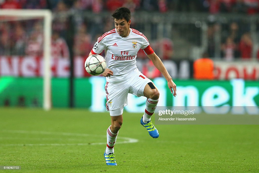<a gi-track='captionPersonalityLinkClicked' href=/galleries/search?phrase=Nicolas+Gaitan&family=editorial&specificpeople=5538639 ng-click='$event.stopPropagation()'>Nicolas Gaitan</a> of Benfica runs with the ball during the UEFA Champions League quarter final first leg match between FC Bayern Muenchen and SL Benfica at Allianz Arena on April 5, 2016 in Munich, Germany.