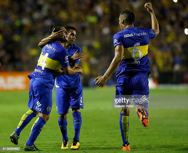 Nicolas Lodeiro of Boca Juniors celebrates WITH HIS TEAMMATES after scoring the first goal of his team during a match between Boca Juniors and Union...