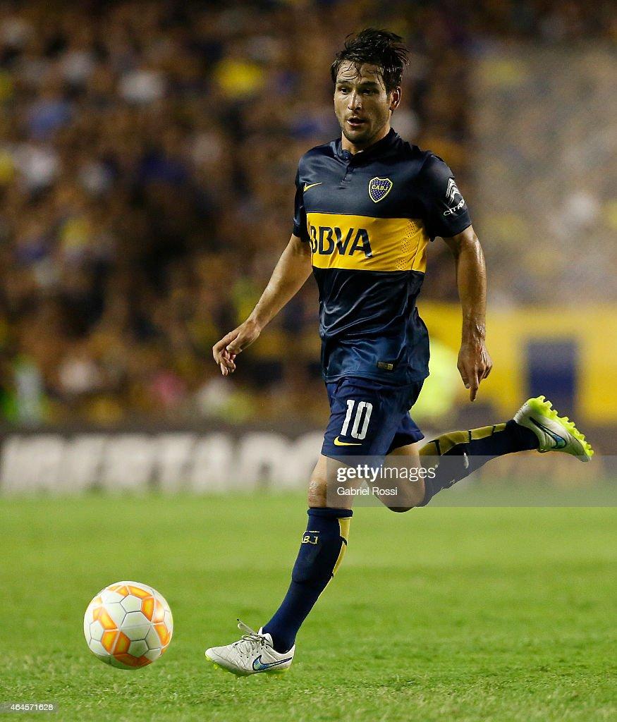 Nicolas Lodeiro of Boca Juniors drives the ball during a match between Boca Juniors and Montevideo Wanderers as part of Copa Bridgestone Libertadores...