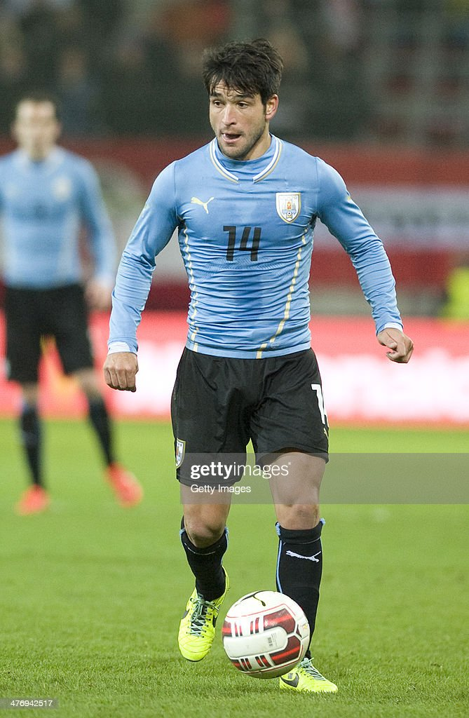 Nicolas Lodeiro of Uruguay runs with the ball during the international friendly match between Austria and Uruguay at Woerthersee stadium on March 5...