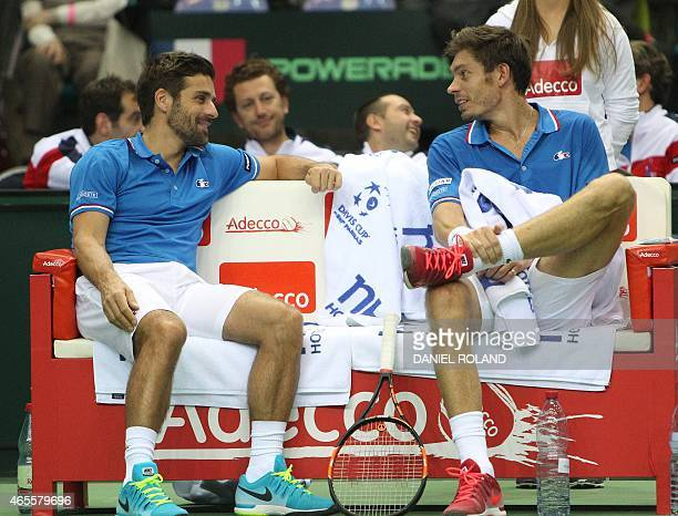 Nicolas Mahut of France talks to his coach Arnaud Clement during the tennis Davis Cup match against JanLennard Struff of Germany in Frankfurt/Main...