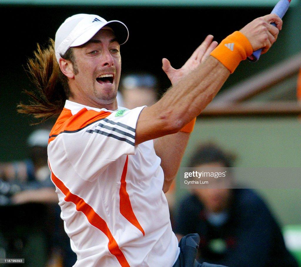 2006 French Open - Men's Singles - Third Round - Roger Federer vs. Nicolas Massu