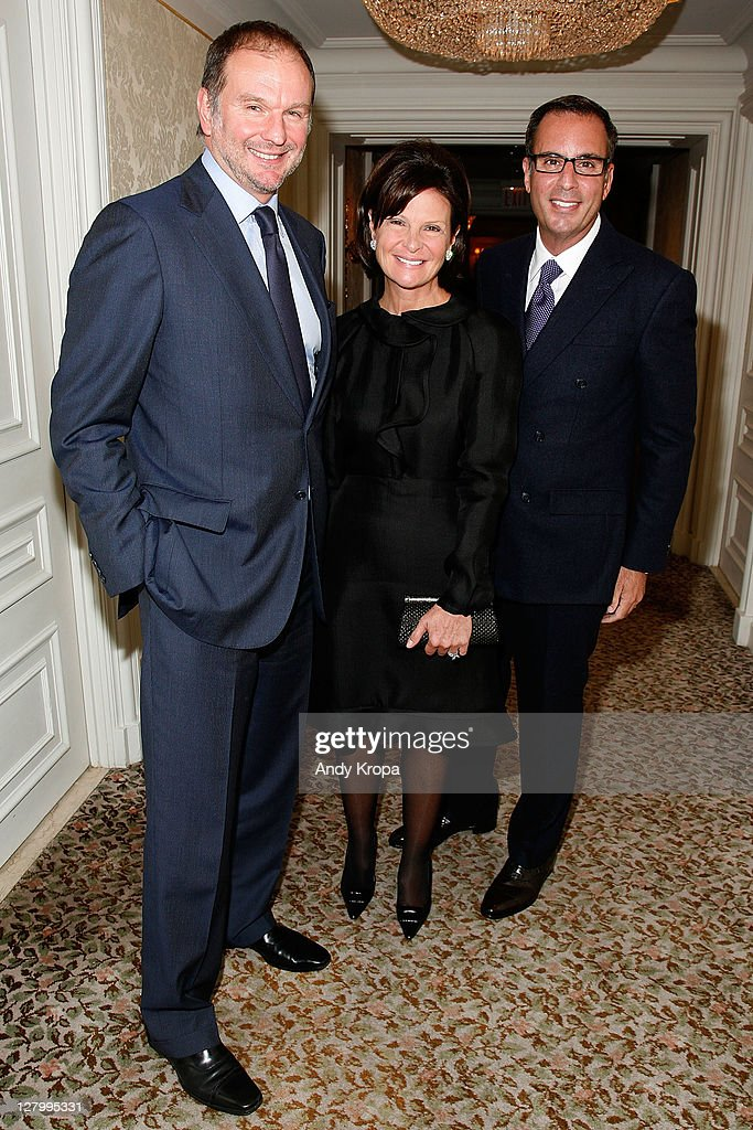 Fragrance foundation circle of champions getty images for Laura and harry slatkin