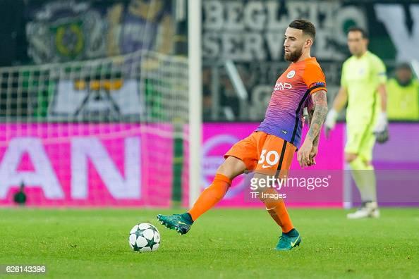 VfL Borussia Moenchengladbach v Manchester City FC - UEFA Champions League : ニュース写真