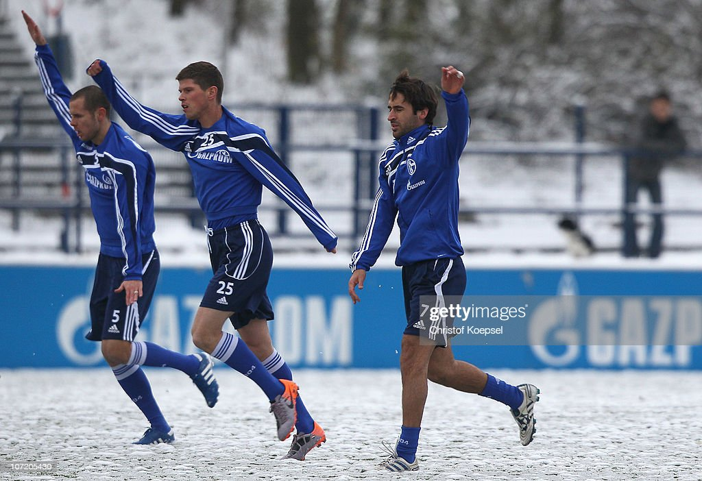 Nicolas Plestan KlaasJan Huntelaar of Schalke and Raúl Gonzalez of Schalke attend the FC Schalke training session at the training ground on November...
