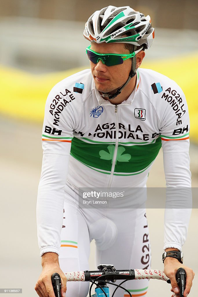 <a gi-track='captionPersonalityLinkClicked' href=/galleries/search?phrase=Nicolas+Roche&family=editorial&specificpeople=5446631 ng-click='$event.stopPropagation()'>Nicolas Roche</a> of Ireland trains for the 2009 UCI Road World Championships on September 25, 2009 in Mendrisio, Switzerland.