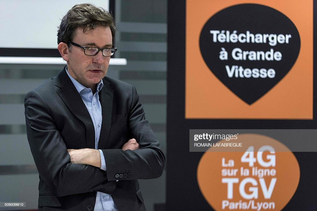 Nicolas Roy, CTO for networks and services at French telecommunications corporation Orange, speaks during a press conference at Orange's mobile phone supervision center in Lyon on February 10, 2016. / AFP / ROMAIN LAFABREGUE