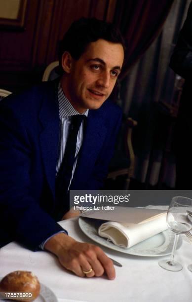 Nicolas Sarkozy during a tour in 1988 by Paul Wermus France 1988 Nicolas Sarkozy au cours d'un diner organisé par Paul Wermus en 1988