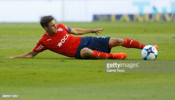 Nicolas Tagliafico of Independiente controls the ball during a match between Independiente and Atletico de Rafaela as part of Torneo Primera Division...