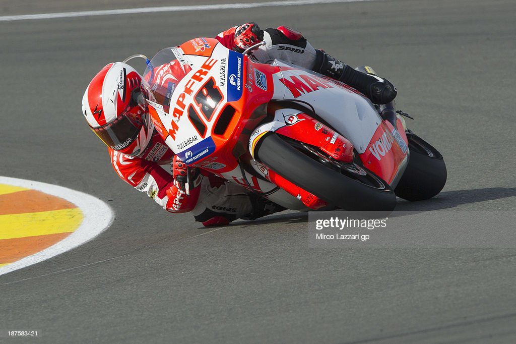 <a gi-track='captionPersonalityLinkClicked' href=/galleries/search?phrase=Nicolas+Terol&family=editorial&specificpeople=2298412 ng-click='$event.stopPropagation()'>Nicolas Terol</a> of Spain and Aspar Team Moto2 rounds the bend during the Moto2 race during the MotoGP of Valencia - Race at Ricardo Tormo Circuit on November 10, 2013 in Valencia, Spain.