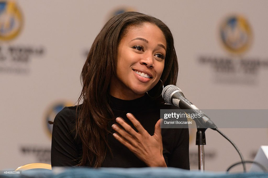 Nicole Beharie attends Wizard World Chicago Comic Con 2014 at Donald E. Stephens Convention Center on August 23, 2014 in Chicago, Illinois.