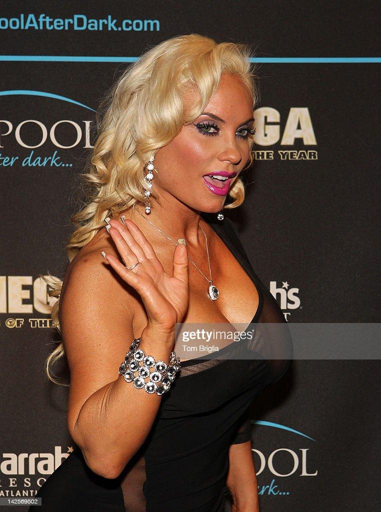pool austin Nicole coco