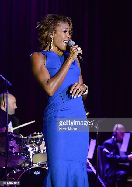 Nicole Henry performs on stage during Friars Club honors Tony Bennett with The Entertainment Icon Award at New York Sheraton Hotel Tower on June 20...