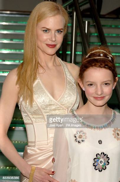 Nicole Kidman and Dakota Blue Richards arrive for the premiere of The Golden Compass at the Odeon West End Cinema Leicester Square London