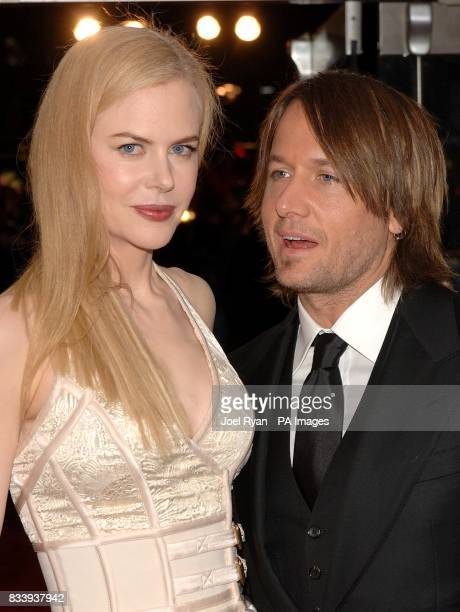 Nicole Kidman and husband Keith Urban arrive for the premiere of The Golden Compass at the Odeon West End Cinema Leicester Square London