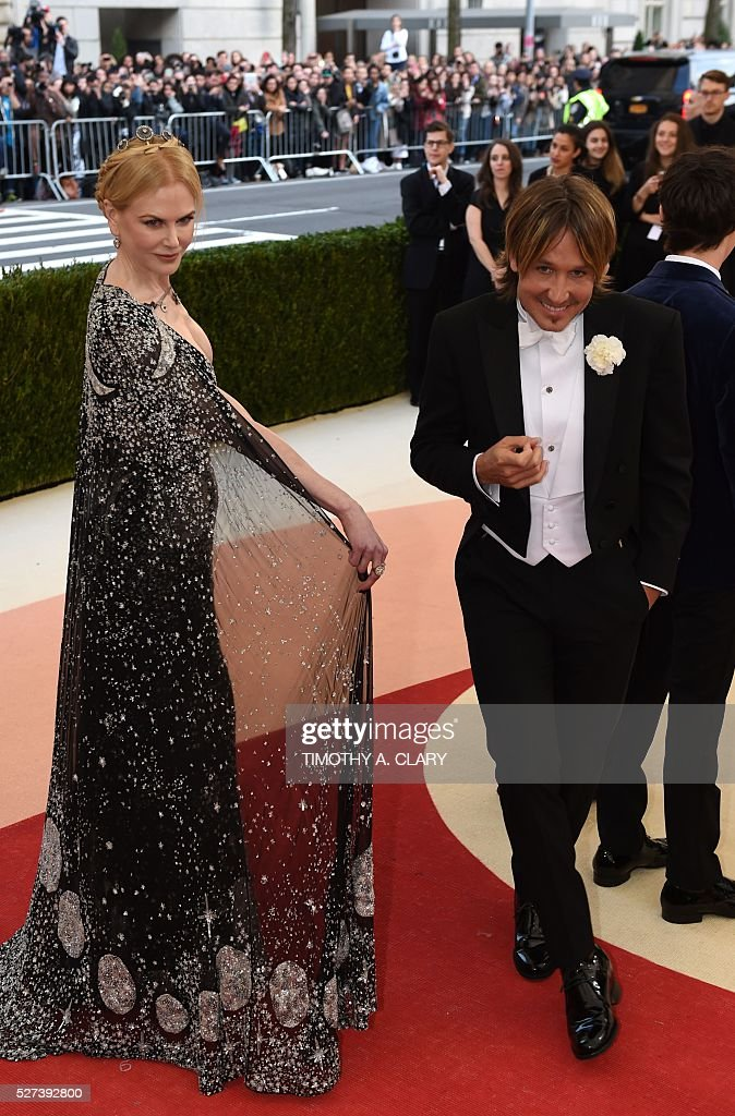 Nicole Kidman and Keith Urban arrive for the Costume Institute Benefit at The Metropolitan Museum of Art May 2, 2016 in New York. / AFP / TIMOTHY