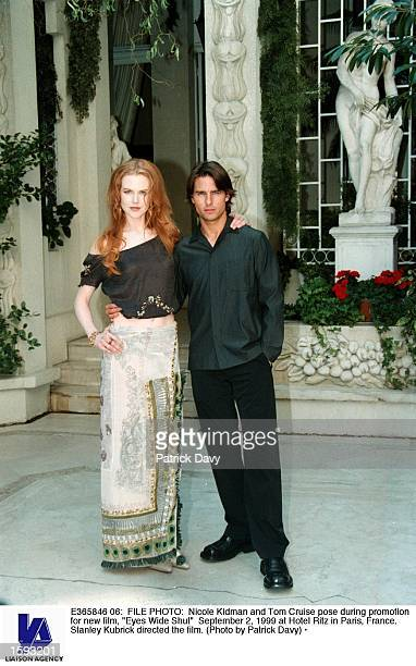 Nicole Kidman and Tom Cruise pose during promotion for new film 'Eyes Wide Shut' September 2 1999 at Hotel Ritz in Paris France Stanley Kubrick...