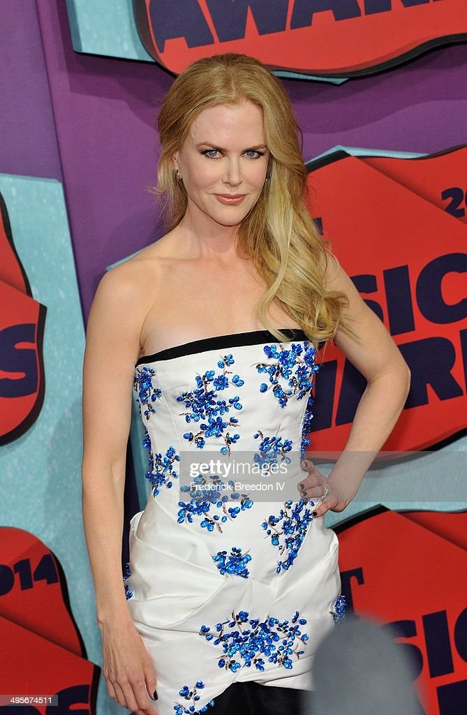 <a gi-track='captionPersonalityLinkClicked' href=/galleries/search?phrase=Nicole+Kidman&family=editorial&specificpeople=156404 ng-click='$event.stopPropagation()'>Nicole Kidman</a> arrives at the 2014 CMT Music awards at the Bridgestone Arena on June 4, 2014 in Nashville, Tennessee.