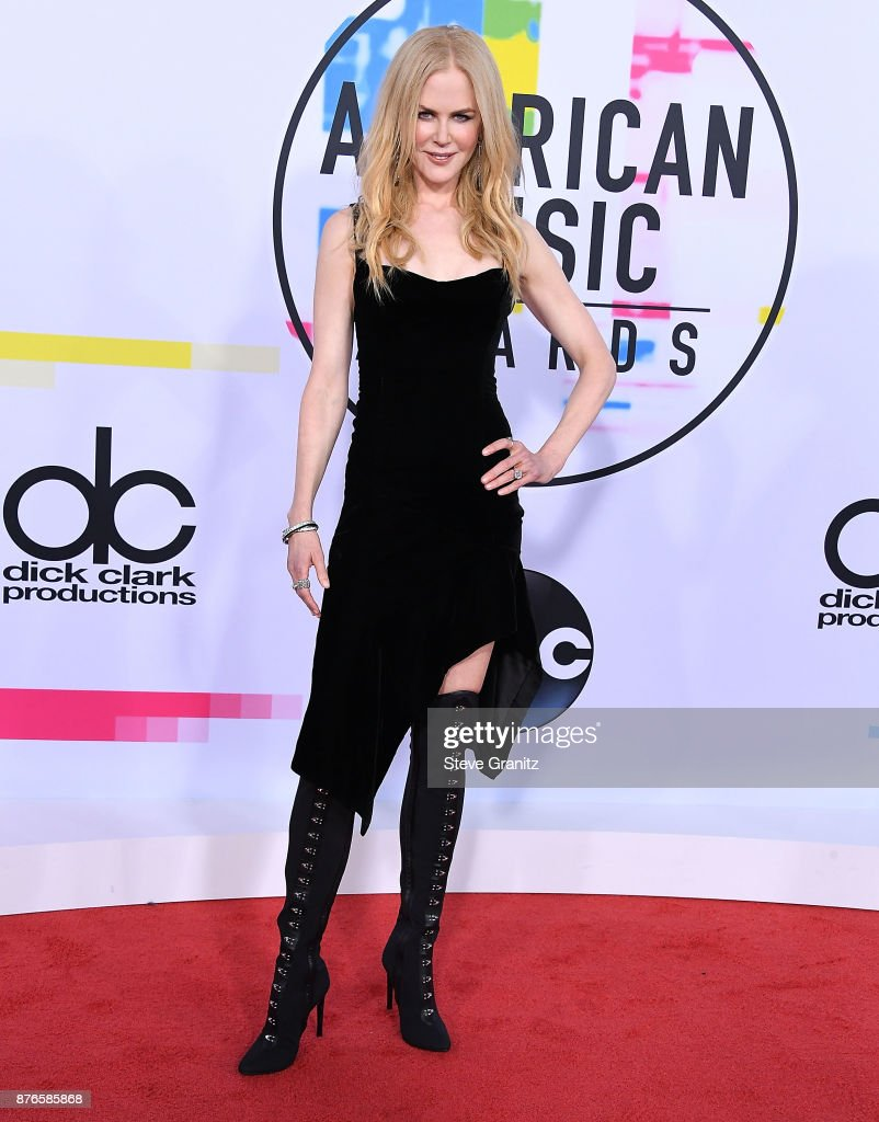 Nicole Kidman arrives at the 2017 American Music Awards at Microsoft Theater on November 19, 2017 in Los Angeles, California.