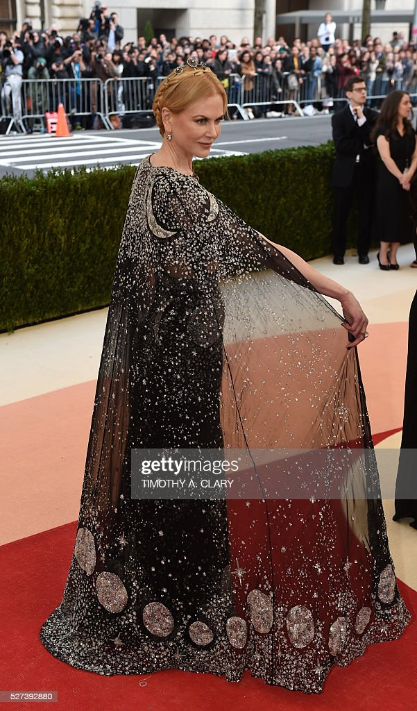 Nicole Kidman arrives for the Costume Institute Benefit at The Metropolitan Museum of Art May 2, 2016 in New York. / AFP / TIMOTHY