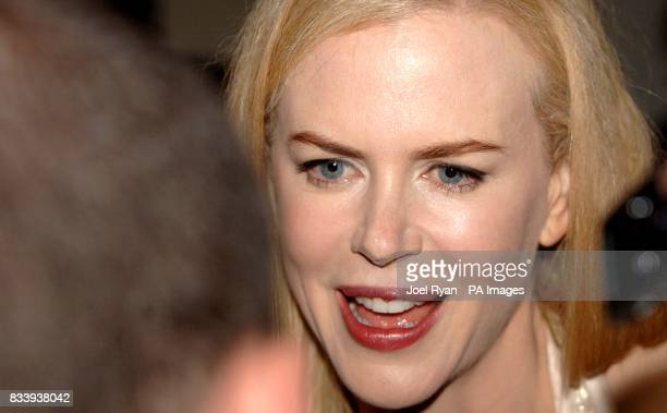 Nicole Kidman arrives for the premiere of The Golden Compass at the Odeon West End Cinema Leicester Square London