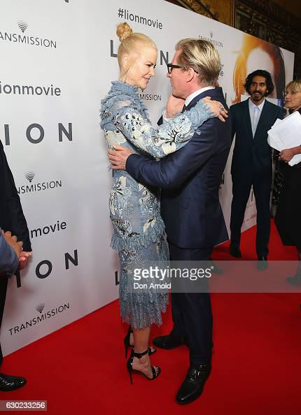 Nicole Kidman greets Daviod Wenham ahead of the Australian premiere of LION at State Theatre on December 19 2016 in Sydney Australia