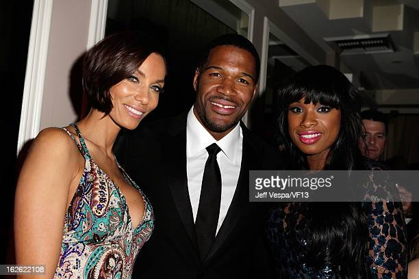 Nicole Murphy Michael Strahan and Jennifer Hudson attend the 2013 Vanity Fair Oscar Party hosted by Graydon Carter at Sunset Tower on February 24...