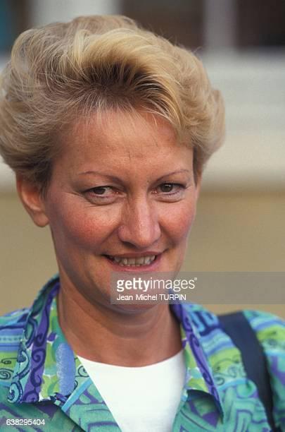 Nicole Notat secrétaire générale de la CFDT lors de son entrevue avec le Premier ministre Edouard Balladur le 6 septembre 1993 à Paris France