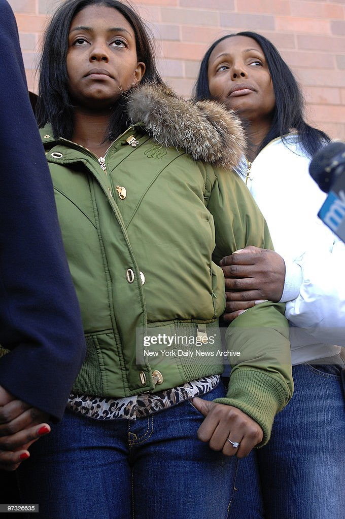 Nicole Paultre Sean Bell's fiance and her mother Laura HarperPaultre grieve outside Jamaica Hospital after undercover cops shot and killed Bell on...