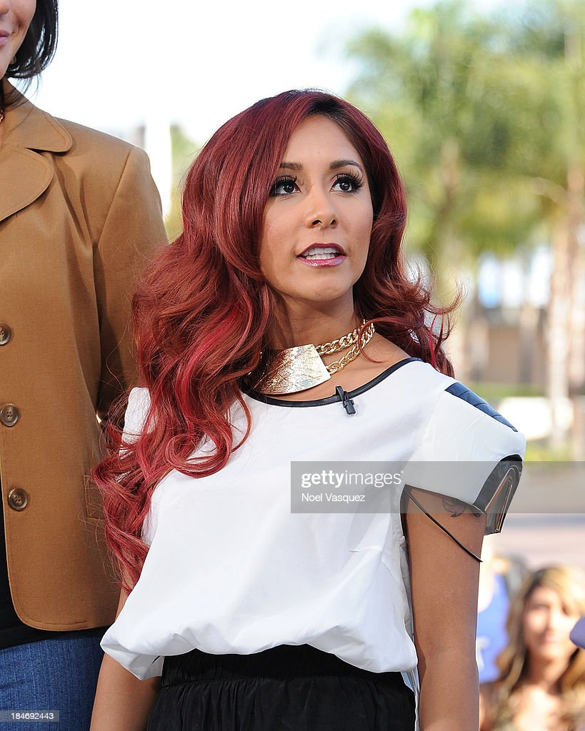 Nicole Polizzi visits 'Extra' at Universal Studios Hollywood on October 15, 2013 in Universal City, California.