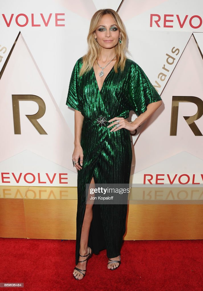Nicole Richie arrives at #REVOLVEawards at DREAM Hollywood on November 2, 2017 in Hollywood, California.