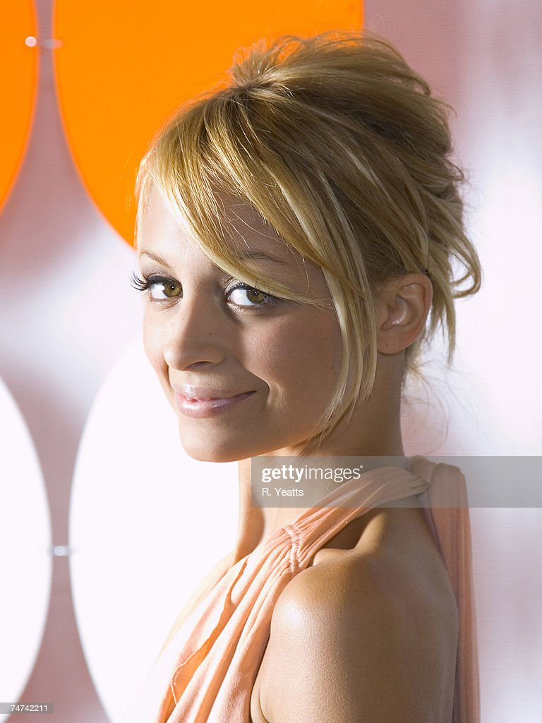 Fashion industry gallery - Nicole Richie At The Fashion Industry Gallery In Dallas Texas