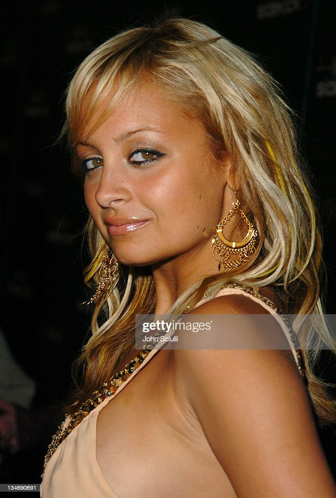 <a gi-track='captionPersonalityLinkClicked' href=/galleries/search?phrase=Nicole+Richie&family=editorial&specificpeople=201646 ng-click='$event.stopPropagation()'>Nicole Richie</a> during 'T-Mobile Sidekick II' Launch Party - Red Carpet at The Grove in Los Angeles, California, United States.