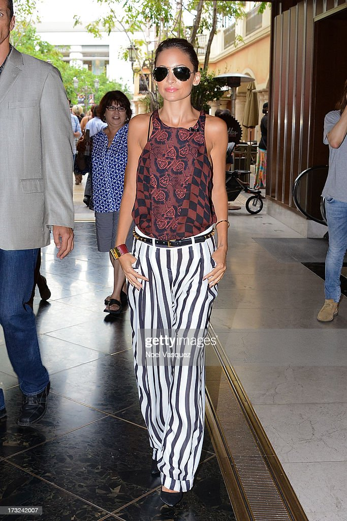 <a gi-track='captionPersonalityLinkClicked' href=/galleries/search?phrase=Nicole+Richie&family=editorial&specificpeople=201646 ng-click='$event.stopPropagation()'>Nicole Richie</a> is seen at The Grove on July 10, 2013 in Los Angeles, California.